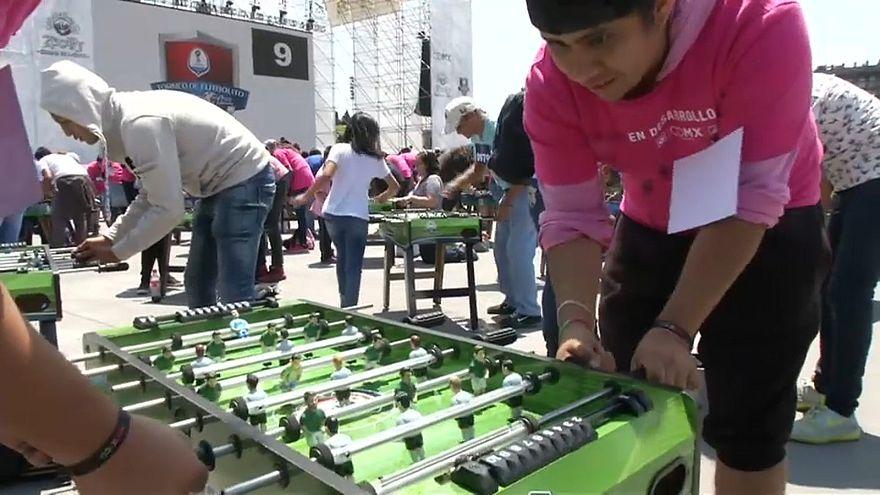 """المكسيك تدخل موسوعة غينيس في لعبة """"كرة قدم الطاولة"""""""