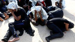 Libyen: Küstenwache rettet Hunderte Migranten aus Mittelmeer