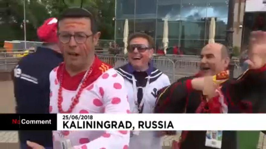 Reménykedő szurkolók Kalinyingrádban