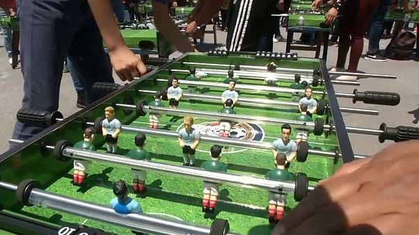Рекорд Гиннесса: 1083 мексиканца и настольный футбол