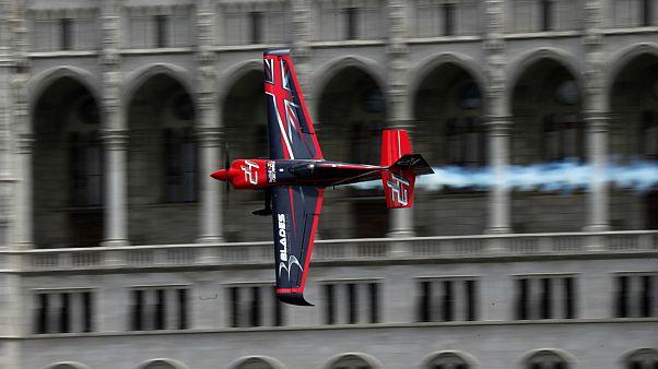 مسابقات هوایی ردبول در بوداپست با قهرمانی خلبان چک