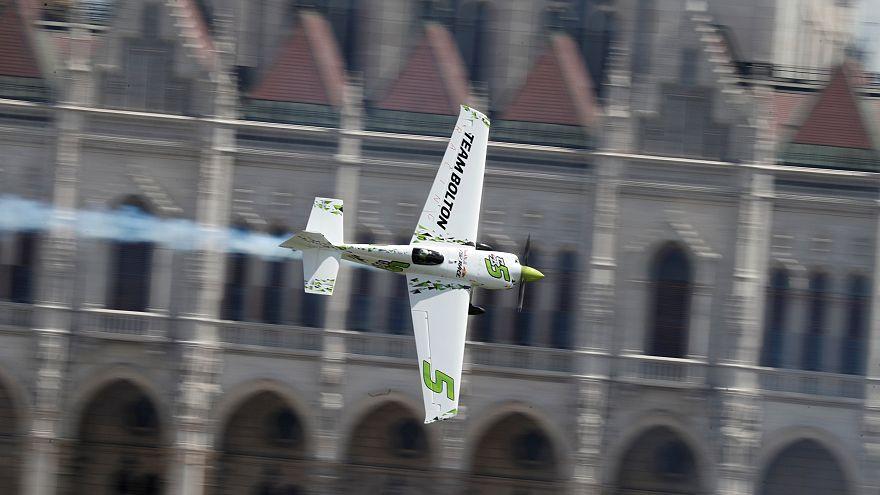 Course aérienne dans le ciel de Budapest