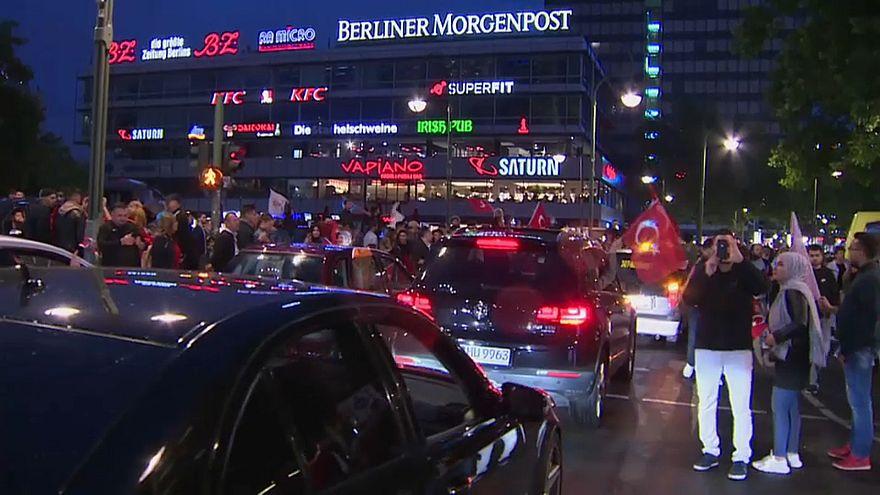 Немецкие турки отпраздновали победу Эрдогана