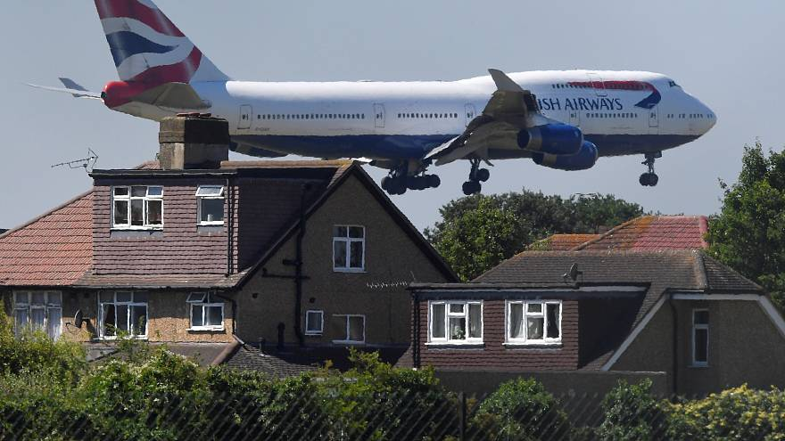 UK MPs back controversial Heathrow Airport expansion