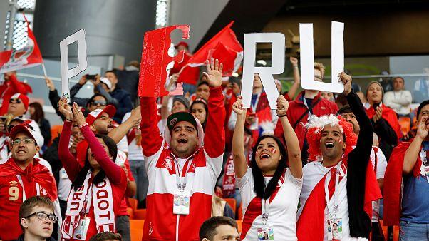 Con Francia ya en octavos, Dinamarca y Australia buscan pasar y Perú defender su honor