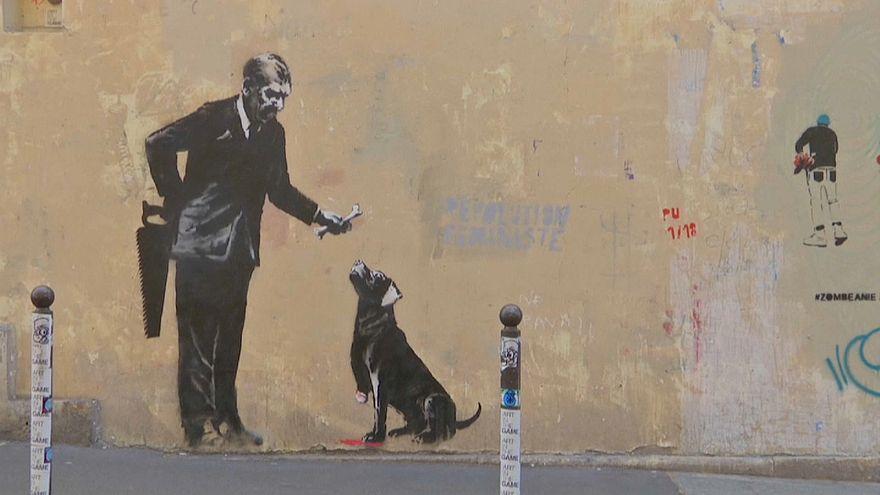 Sokak sanatçısı Bansky'nin göçmen temalı eserleri Paris'te
