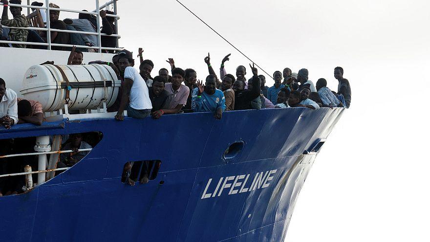 Les 108 migrants du Maersk accueillis en Sicile, une solution pour le Lifeline