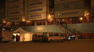 Cargueiro dinamarquês com 108 migrantes a bordo atraca em Itália