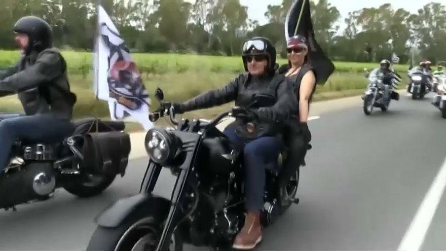 مجموعة من الدراجين في أمريكا