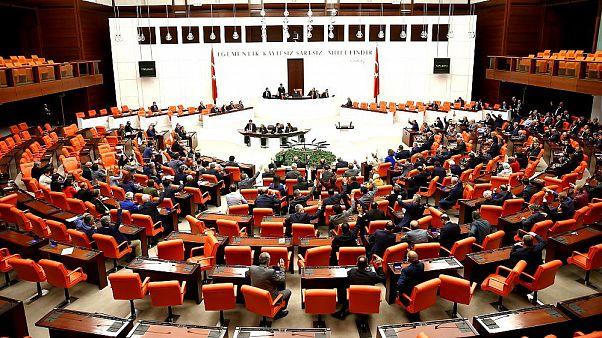 Türk siyaseti cinsiyet eşitliğinde yine sınıfta kaldı