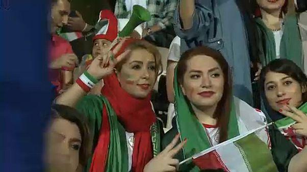 Teheráni nők tömege szurkolt Portugália ellen