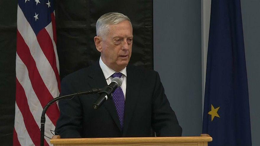ماتيس يعلن تخصيص قاعدتين عسكريتين في تكساس لإيواء المهاجرين