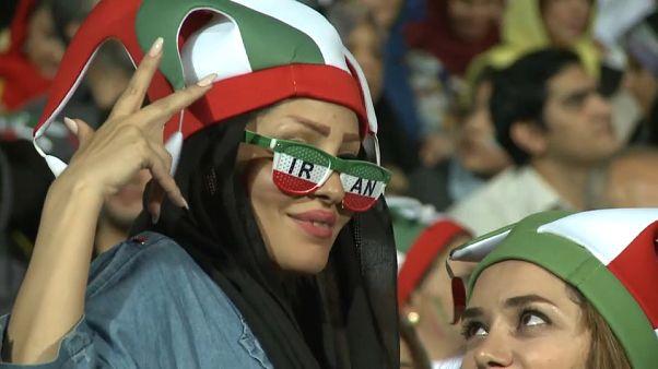 Les Iraniennes fières d'être au stade