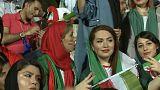 Las mujeres irnaníes vuelven a un estadio de fútbol