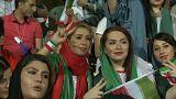 Frauen im Fußballstadion in Teheran