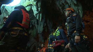 Thailand bangt um eingeschlossene Jugendliche in einer Höhle