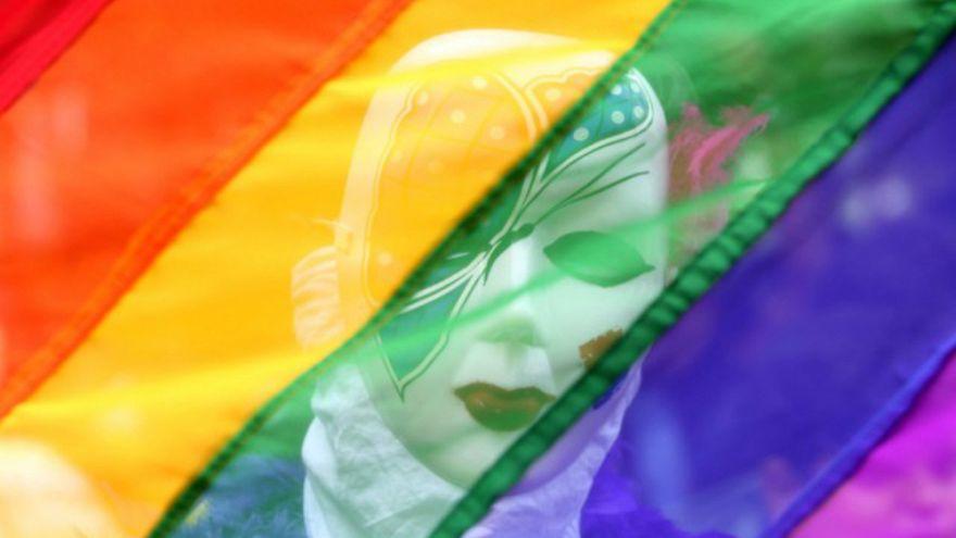 """العدل الأوروبية تحكم لصالح امرأة متحولة جنسياً وتتهم القانون البريطاني """"بالتمييز"""""""
