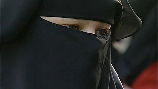Olanda: niente burqa o niqab in edifici pubblici
