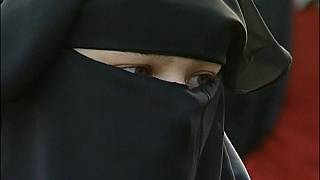 El Parlamento de Holanda aprueba la prohibición del burka
