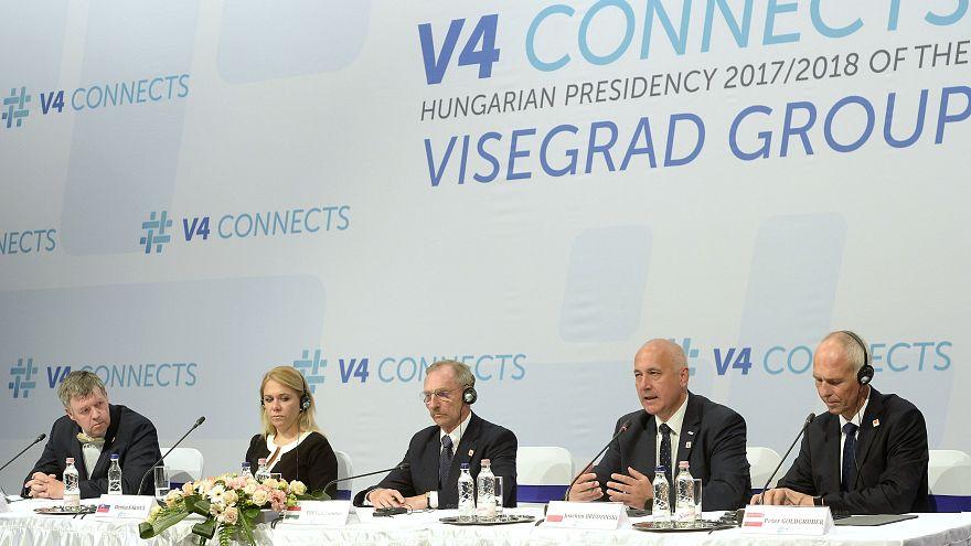 Menekültügyről egyeztettek a V4-ek és Ausztria Budapesten