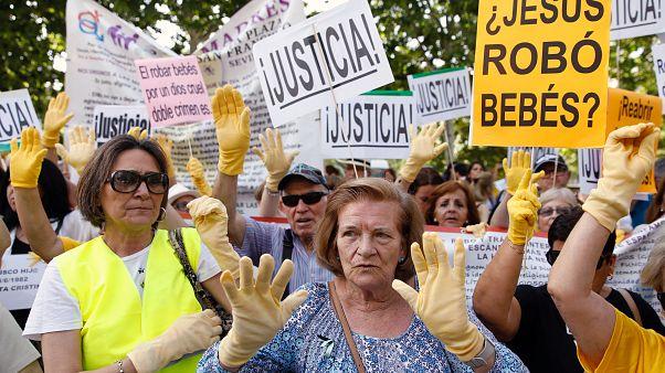 Erster Prozess um Babyraub-Skandal in Spanien
