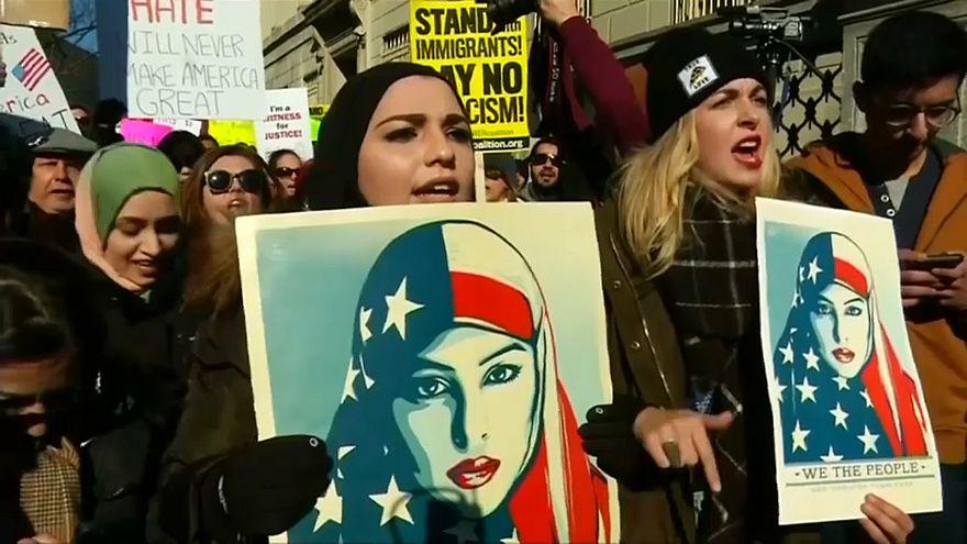 Oberstes US-Gericht bestätigt Trumps Einreise-Verbot