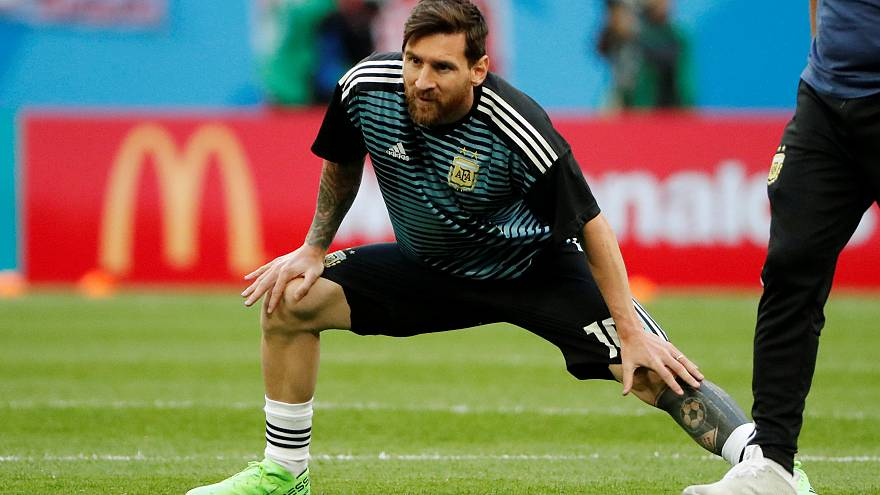 Argentina beat Nigeria 2-1 and qualify for the round of 16