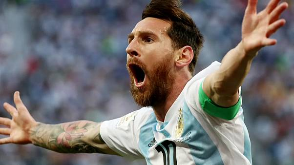 Argentinien zittert sich ins WM-Achtelfinale