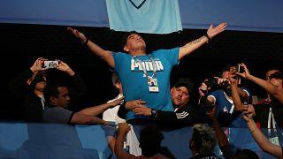 Maradona Arjantin - Nijerya maçını izliyor