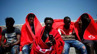 Espagne : des centaines de migrants secourus