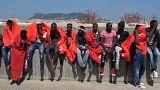 Megint százakat mentettek ki a spanyol partoknál a tengerből