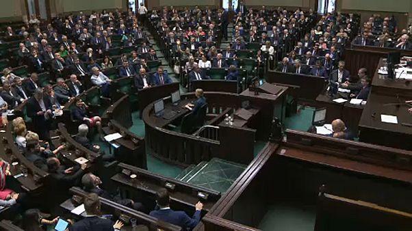 Enyhítették a náci bűnökre vonatkozó lengyel törvényt