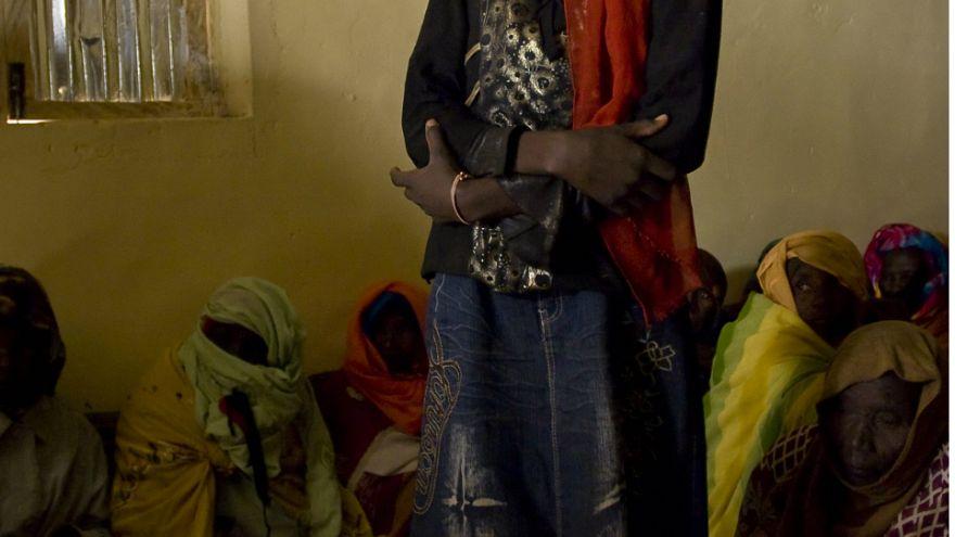 السودانية نورا حسين قاتلة زوجها المغتصب تنجو من عقوبة الإعدام