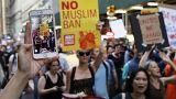 Cientos de personas salen a las calles en Nueva York para protestar contra el tercer veto migratorio de Donald Trump