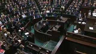 Πολωνία:Τροποποίηση αμφιλεγόμενου νόμου για το Ολοκαύτωμα
