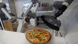 Voici le robot-pizzaïolo