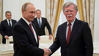 سفر بولتون به مسکو؛ ترامپ و پوتین در «کشور ثالث» دیدار می کنند