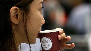 ارزانترین قهوه و همبرگر جهان کجا سرو میشود؟