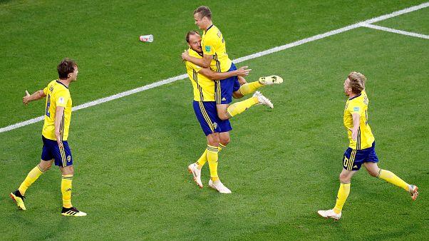 السويد تهزم المكسيك بثلاثة أهداف نظيفة لتصعدا سويا لدور ال 16