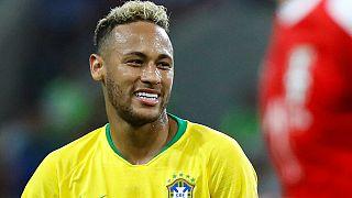 Brasil pasa a octavos tras ganar a Serbia (0-2); le acompaña Suiza