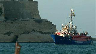Migrants on Lifeline ship arrive in Malta