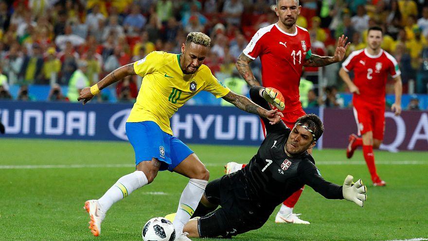Brasil e Suíça seguem em frente no Mundial 2018