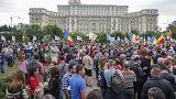 Δεν πέρασε πρόταση μομφής στο Βουκουρέστι - Στο δρόμο αντικυβερνητικοί διαδηλωτές