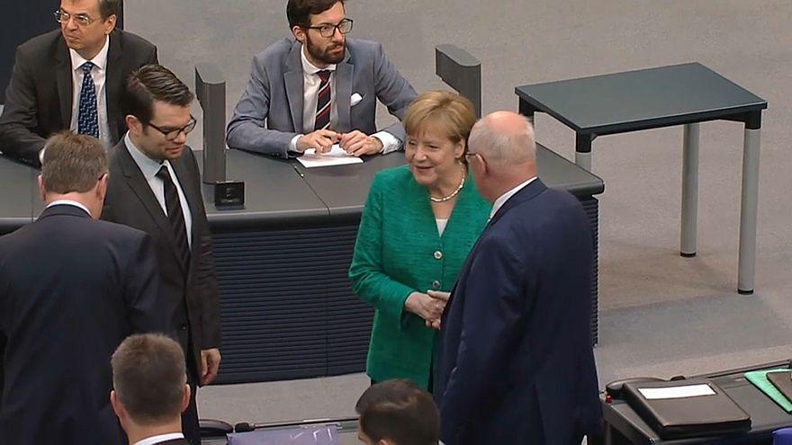 """Migranti, Merkel: """"""""Chi chiede asilo non può scegliersi il Paese"""""""