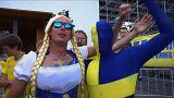 شاهد : أزياء المشجعين المثيرة في مونديال روسيا