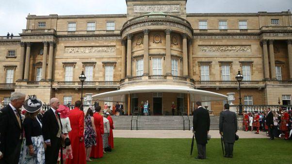 مشروع ترميم يبعد العائلة الملكية في بريطانيا عن واجهة قصر بكنغهام