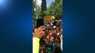 Mexican football fans thank South Korea