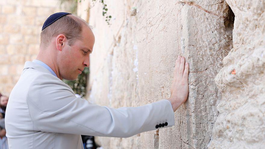 "Príncipe William quebra protocolo e chama ""país"" à Palestina"