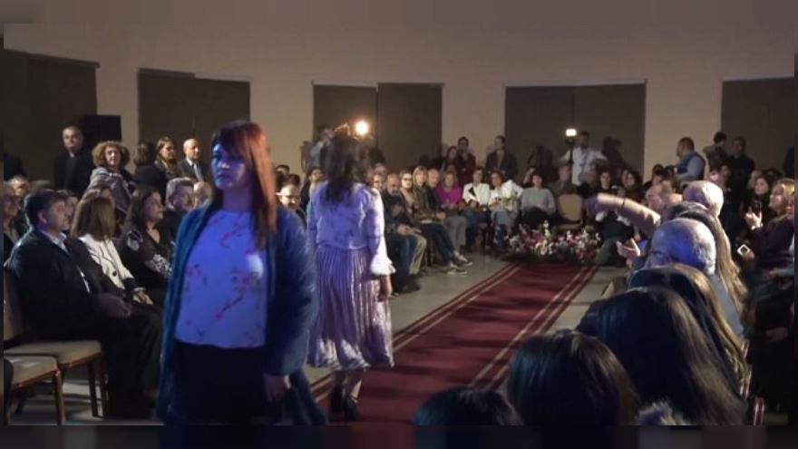 Refugee girls put on fashion show for own clothing label in Jordan