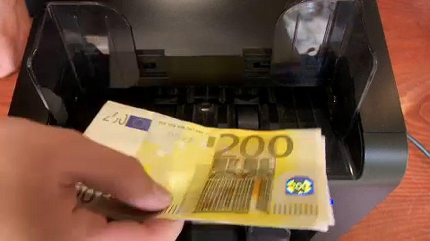 330-340 forintos eurót jósolnak